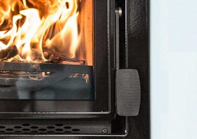 Charnwood-Bay-5-VL-Woodburning-Stove-close-up-939x1024