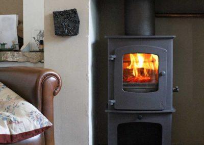 Charnwood-Cove1-Woodburning-Stove-flue-boiler-682x1024